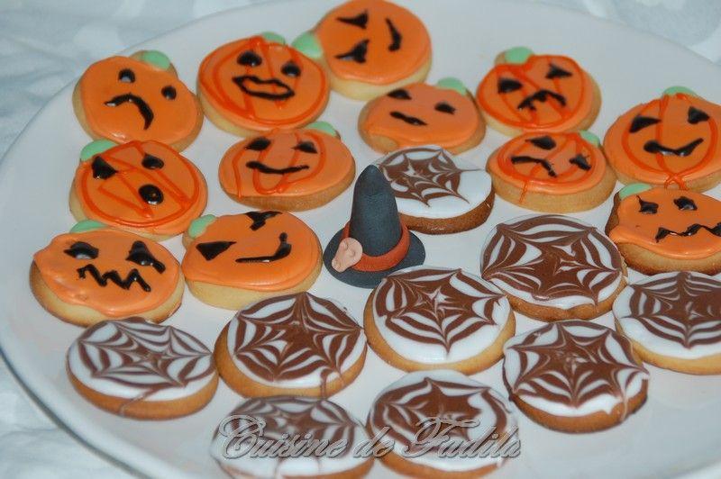 biscuits d 39 halloween sugar cookies cuisine de fadila. Black Bedroom Furniture Sets. Home Design Ideas