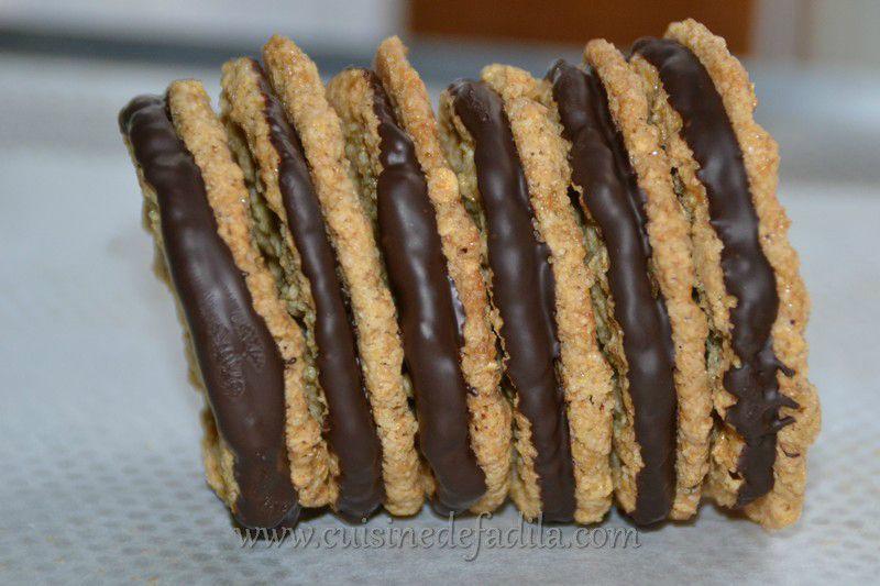 biscuits aux flocons d 39 avoine et au chocolat chokladflarn comme ceux d 39 ikea recette en vid o. Black Bedroom Furniture Sets. Home Design Ideas